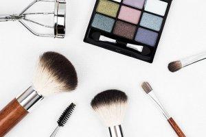 makeup-brush-1761648__340